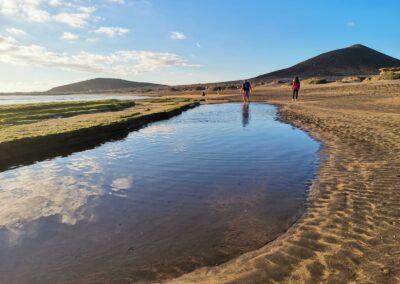 pláž při odlivu v El Médanu