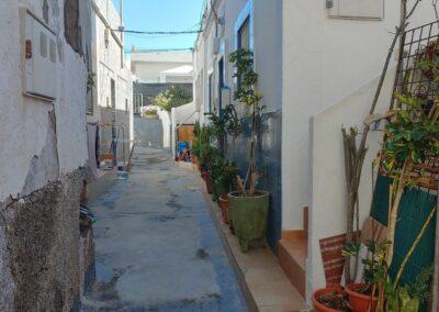 úzká ulička v Los Abrigos