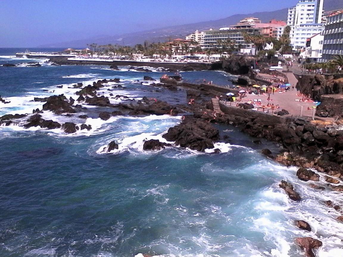 výhled na pobřeží v městečku Garachico