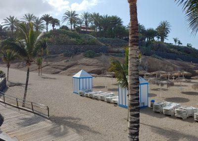 prázdná pláž Costa Adeje