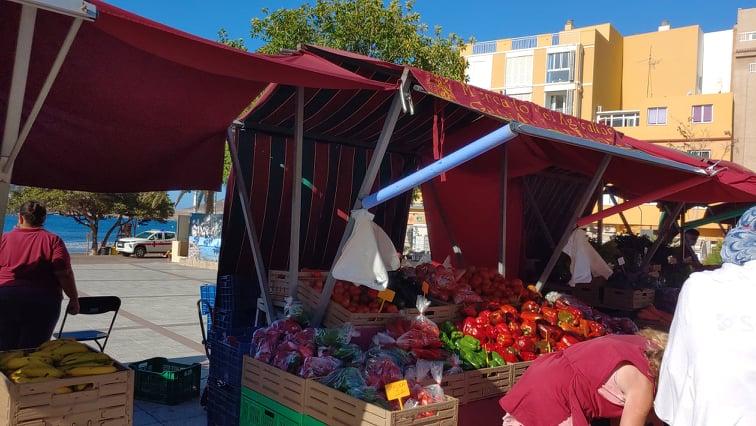 stánky na farmářském trhu