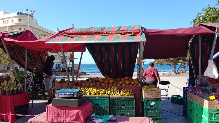 stánek na trhu
